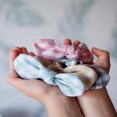 ¡Imposible elegir con el estampado de moda de la temporada ¡El vichy! ¡Venga, que ya estamos en primavera! ✨ Solecito, planes en la calle ¡Y nuestros lacitos!  ¿Con cuál te quedas?  Pásate por nuestra web y ficha tanto la nueva colección como colecciones anteriores.  ¡Queremos ser tu marca de referencia!  #vichyprint #lazovichy #diademavichy #cuadrovichy #amarillovichy #azulvichy #rosavichy #complementosinfantiles #lazosparaniñas #madeinspain #marcaespanola #accesoriosinfantiles #adornosparaelpelo #diademasniña #diademas #cuini #cuinimadrid