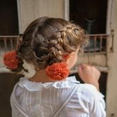 Si hay un color que nos recuerda a el otoño es el color teja. ¿Os gusta? 🍂🍁  📸Jimena adora llevar trencitas y le quedan genial con nuestros coleteros pompón lana en color teja.  ¡También lo tenemos disponible en diadema!  https://www.cuini.com/es/inicio/161-coletero-pompon-lana.html#/70-color-teja  #pompon #coleteropompon #diademapompon #teja #coleterodelana #lazosdealgodon #lazosinfantiles #complementosparaniñas #empresaespañola #marcaespaña #complementosinfantiles #lazosparaniñas #madeinspain #marcaespanola #accesoriosinfantiles #adornosparaelpelo #diademasniña #diademas #cuini #cuinimadrid #vichyprint #texture