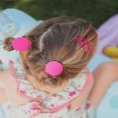 ¡Y seguimos enseñándote nuestra linea en lycra! 💦💦  En este caso nuestra pequeña modelo lleva dos moñetes con nuestro Coletero Botón Lycra en color fucsia. ❤️  🐸Y rematamos el peinado con dos ranitas también en fucsia. 🐸  #botonlicra #licra #complementosdelicra #coleterodelicra #lycra #fucsia #lovepink #pinklover #lazosdealgodon #lazosinfantiles #complementosparaniñas #empresaespañola #marcaespaña #complementosinfantiles #lazosparaniñas #madeinspain #marcaespanola #accesoriosinfantiles #adornosparaelpelo #diademasniña #diademas #cuini #cuinimadrid #vichyprint #texture